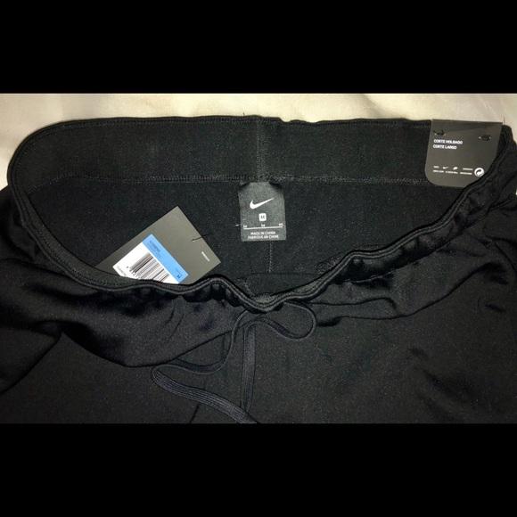 8feaf96f47 Nike Pants | Nwt Therma Fleece Training Womens Med | Poshmark